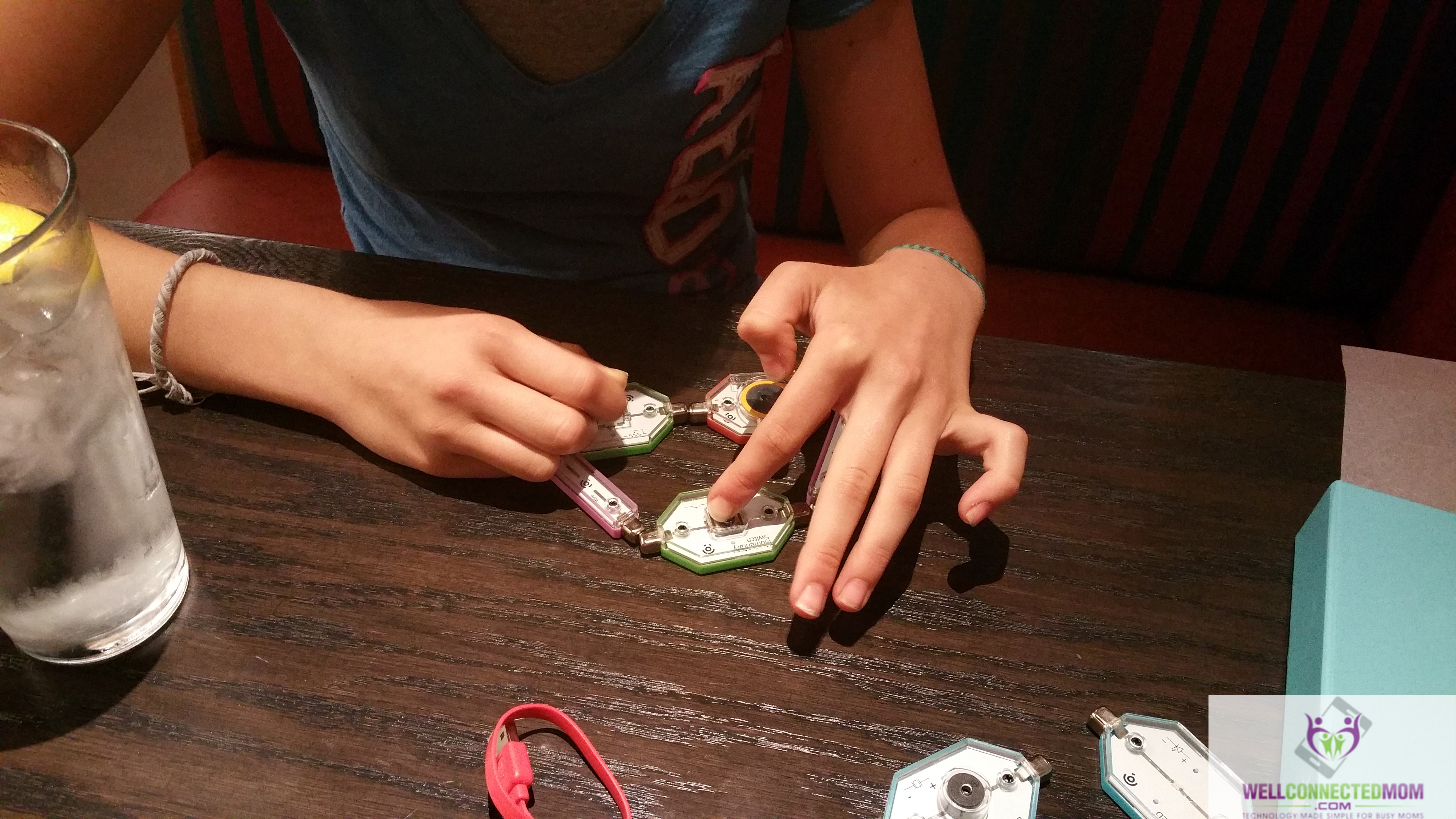 Inspire Your Children With The Lightup Edison Kit Electronic Blocks And Ar App Teaches Kids Circuitry Basics Projects